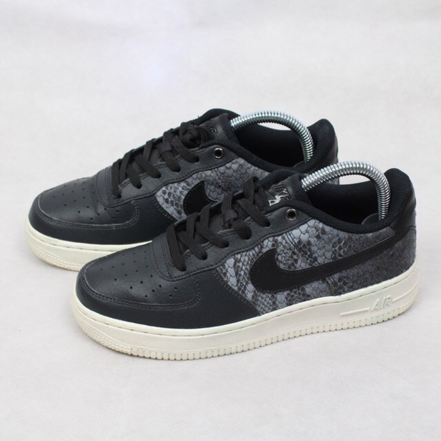 Nike Air Force 1 Af1 Trainers Size Uk 5