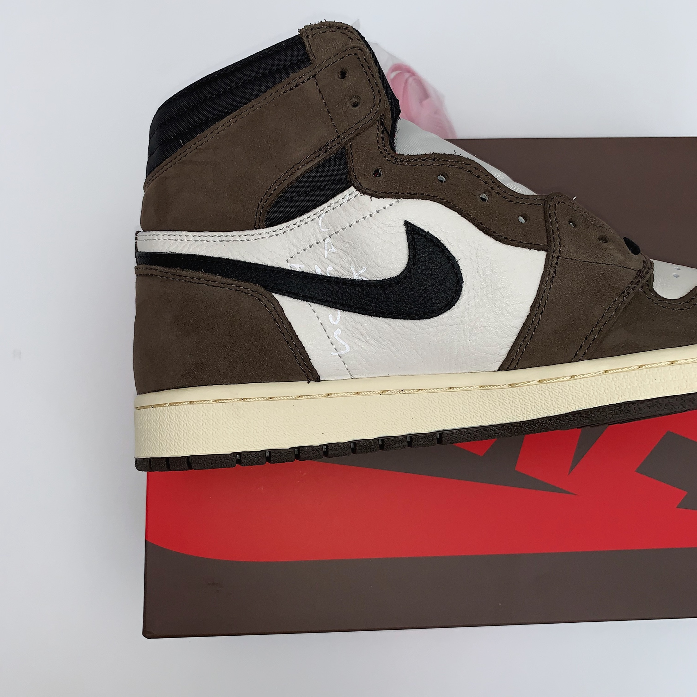 Nike Air Jordan 1 High Travis Scott | 230+ Reviews