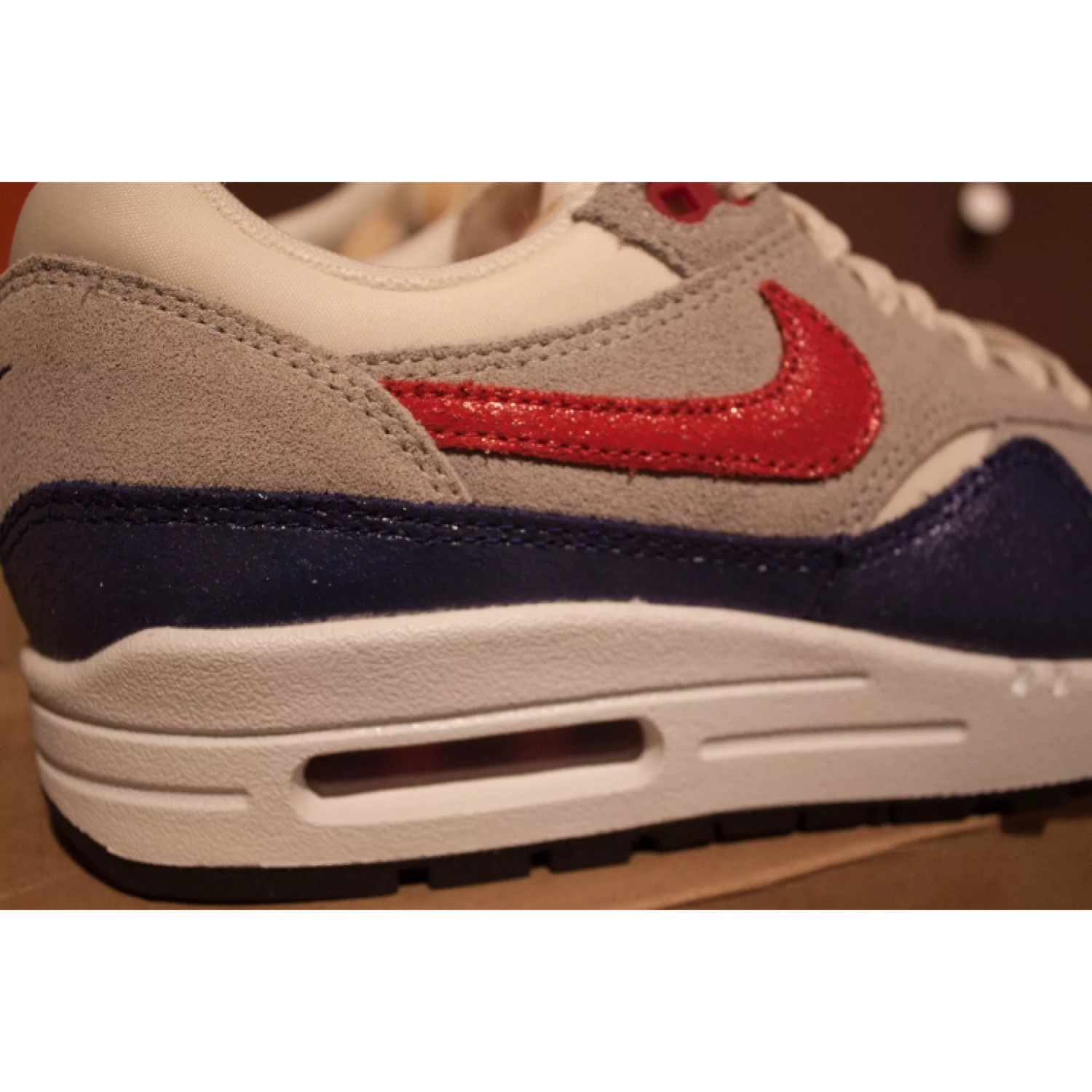 Nike Air Max 1 Vintage Sail Hyped Red Grey