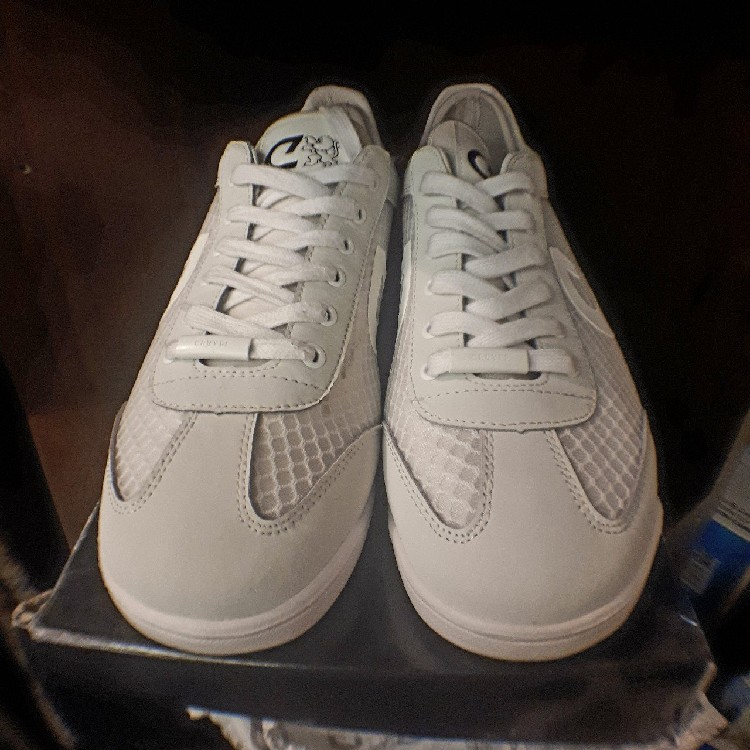 10ace215e170 Cruyff Cyclone Brand New Sneaker In Triple White Complete With Box ...