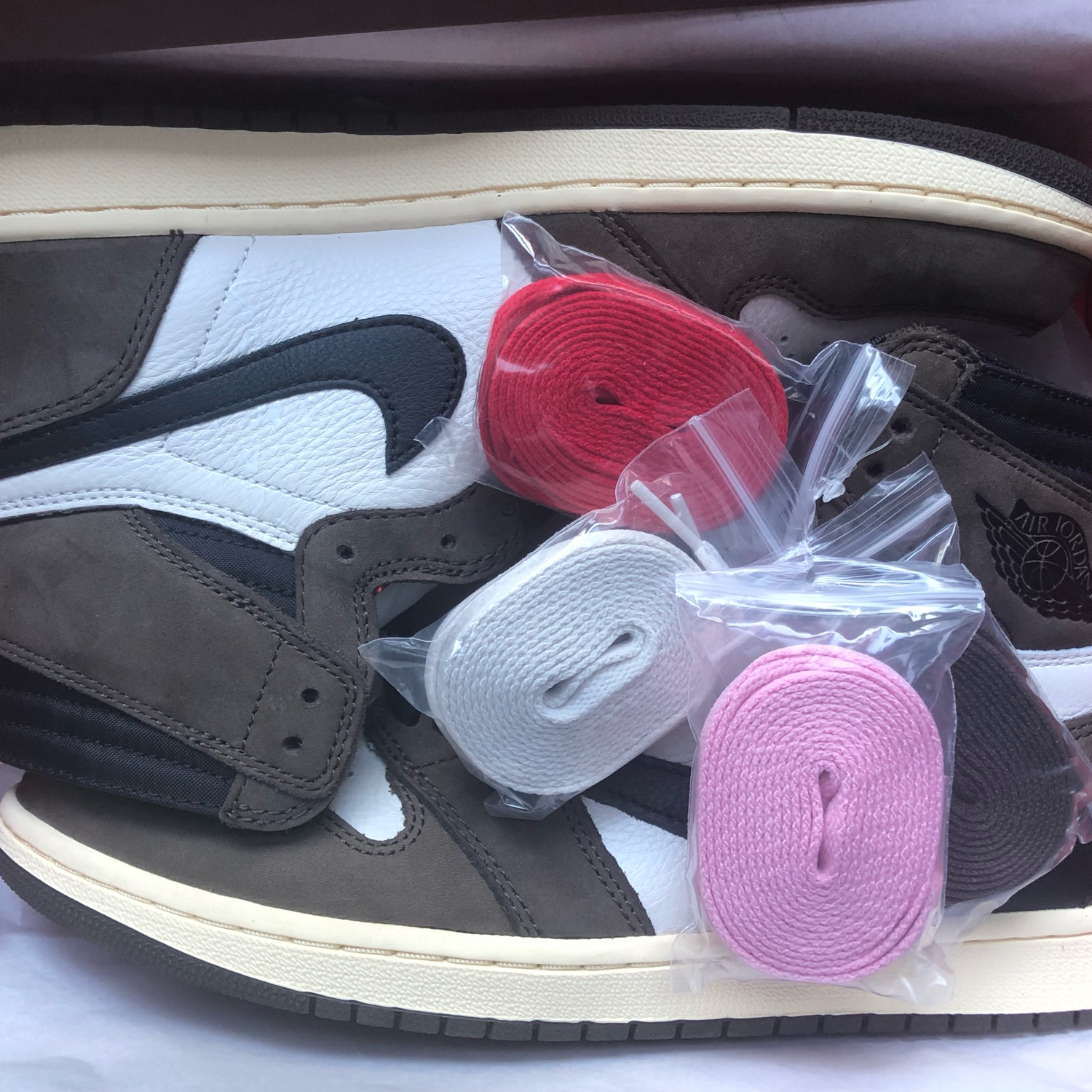 Air Jordan 1 Travis Scott-