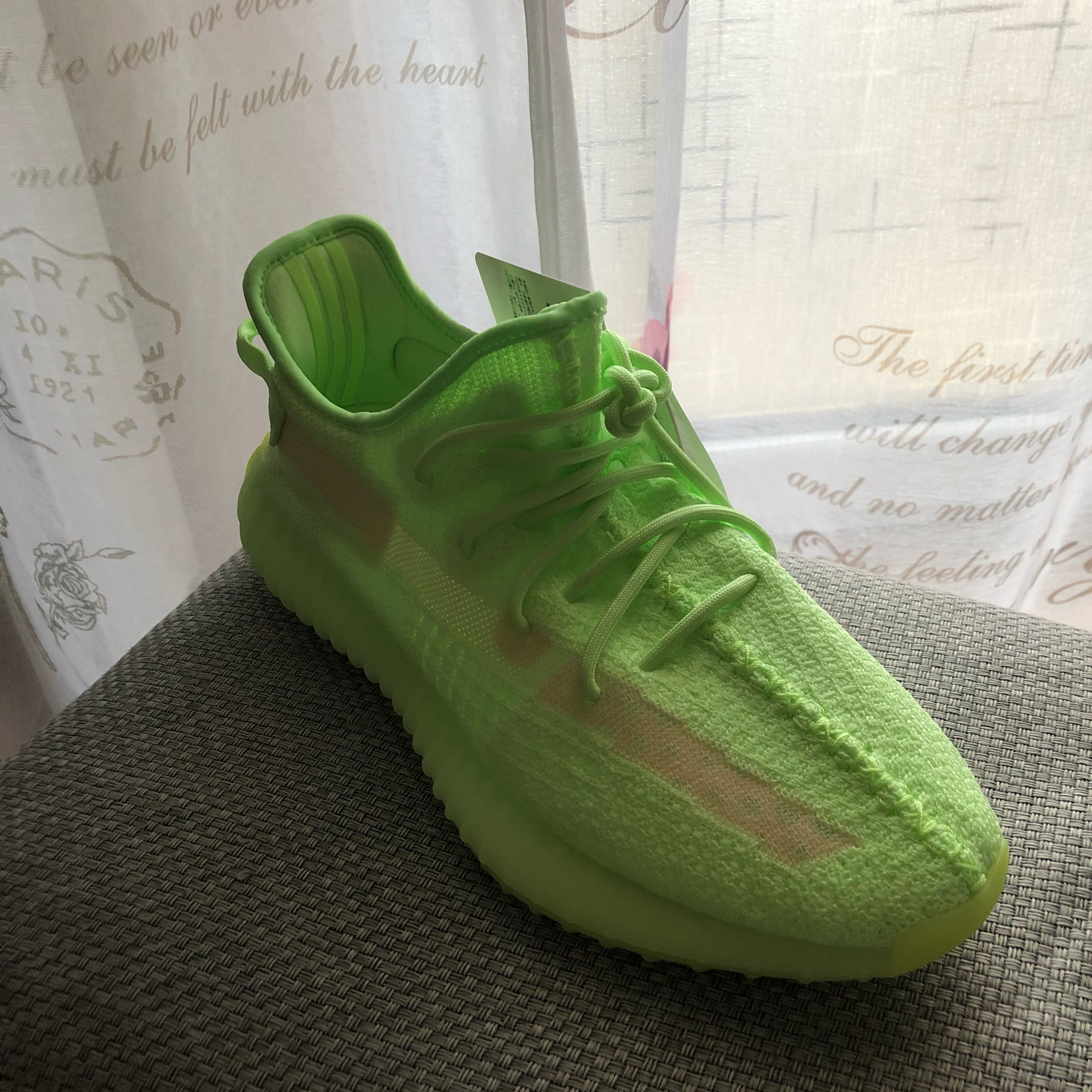 where to buy the yeezy boost 350 v2 glow