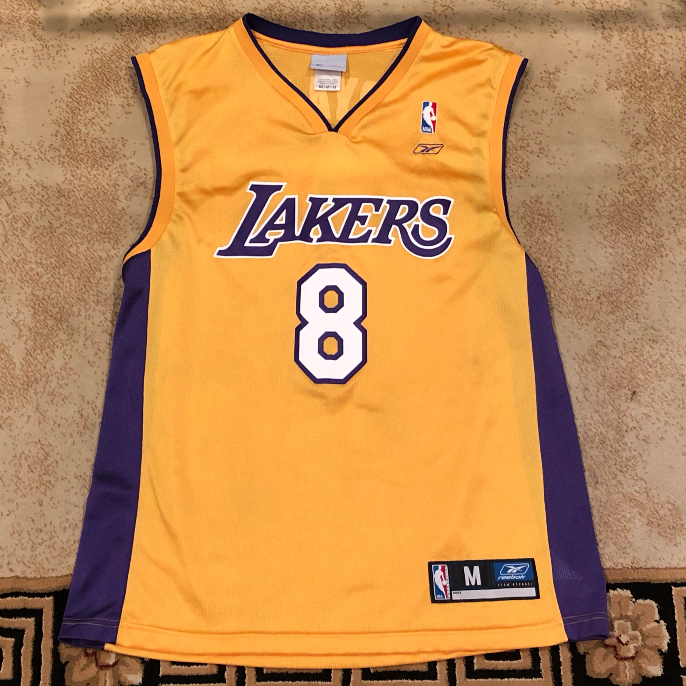 4fd7a044c418 Reebok Nba Lakers Jersey Kobe Bryant  8 Yellow