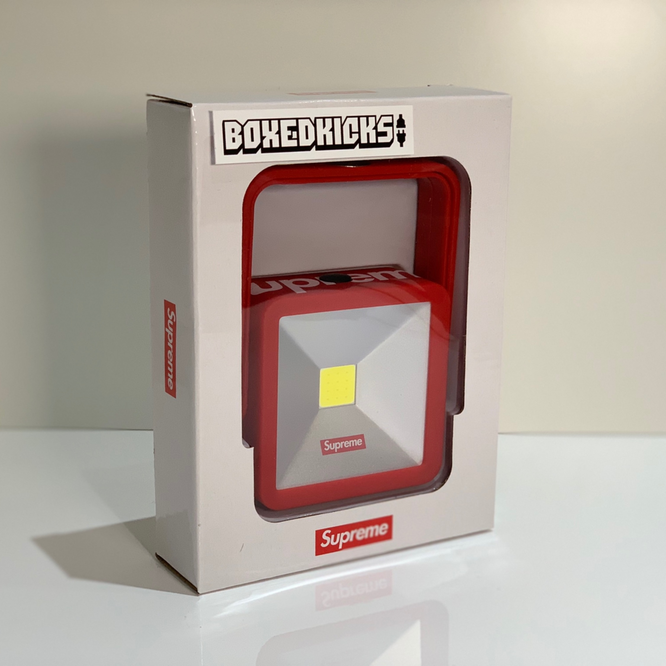 Supreme Fw18 Kickstand Light Red