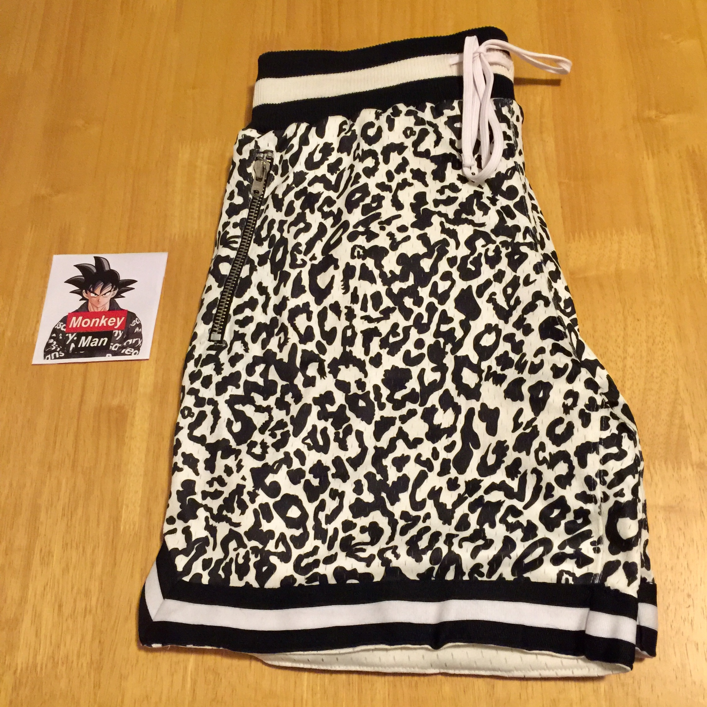 Black Cat Print Basketball Shorts S