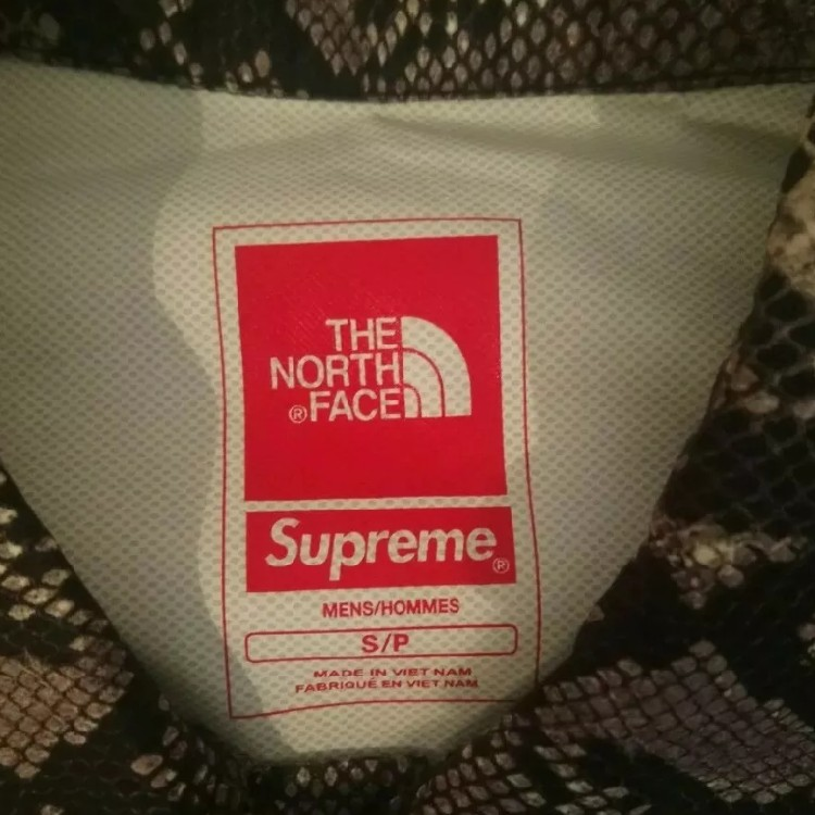 Supreme The North Face Coach Jacket Snake Size S
