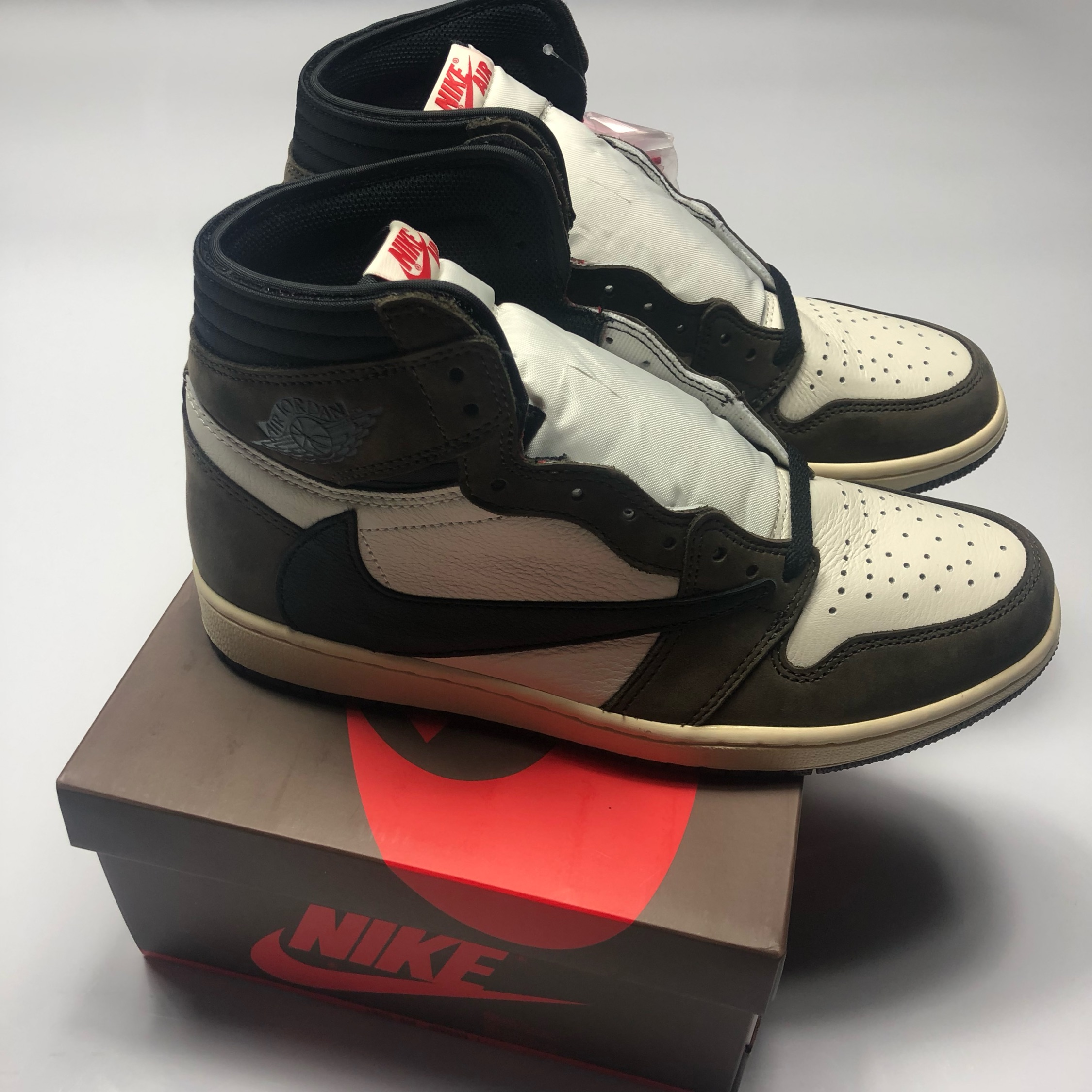 Nike Air Jordan 1 High Travis Scott Uk11 Bnwt