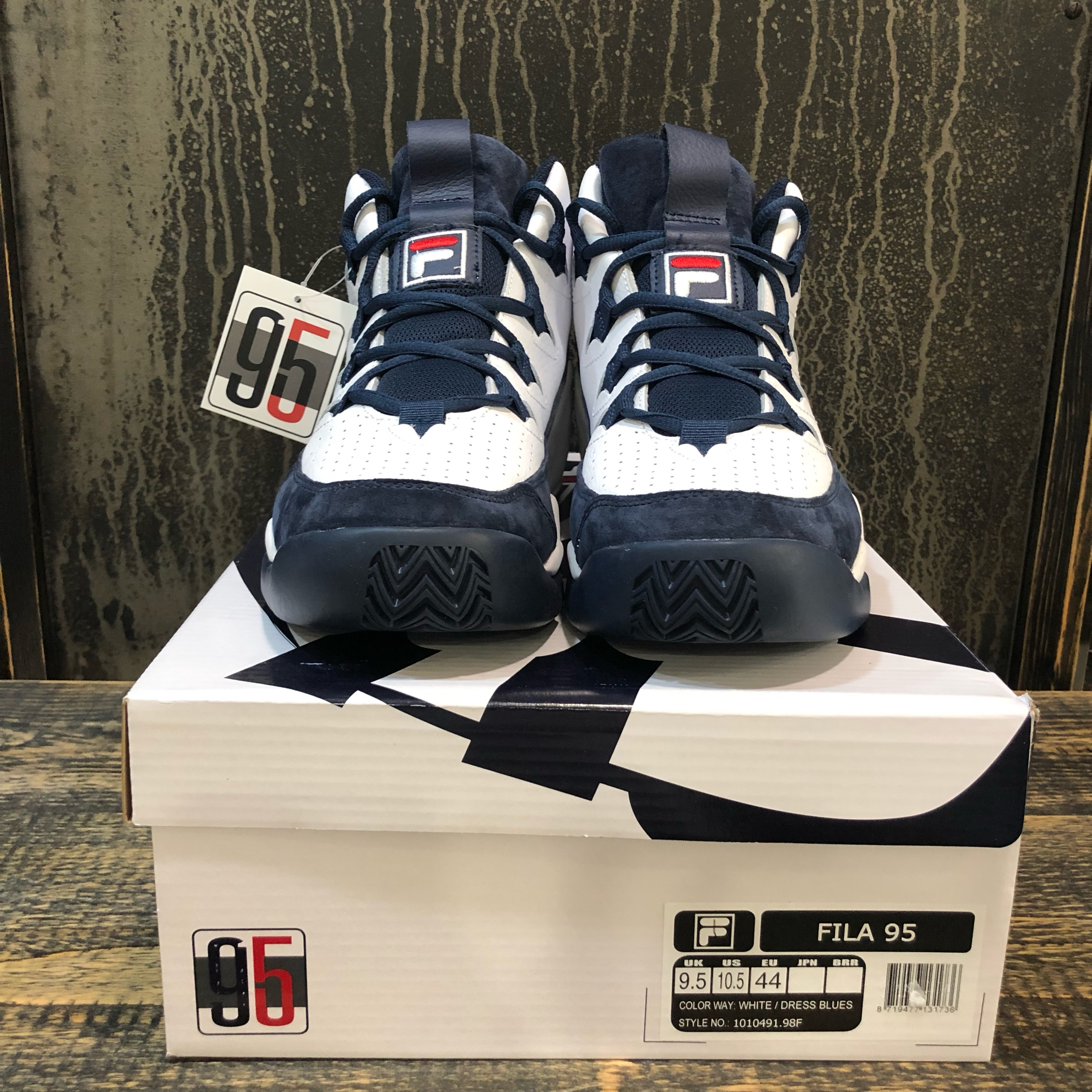 Fila 95 Color White/Dress Blues