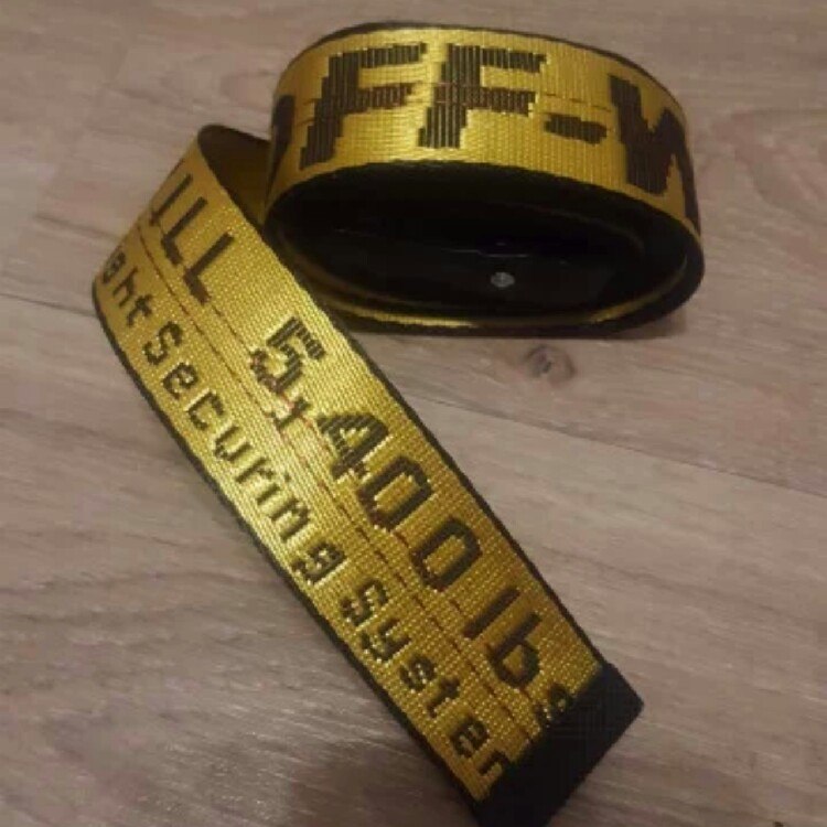Off-White Belt. Color Yellow. Size 200 cm.