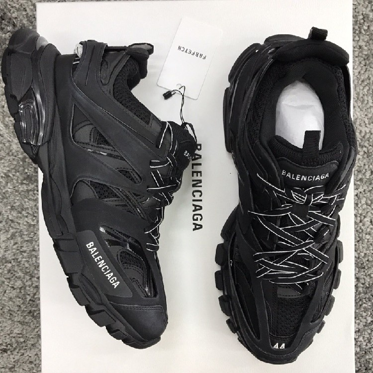 Review of Balenciaga Track Glow in the Dark GT BATCH Flexicas