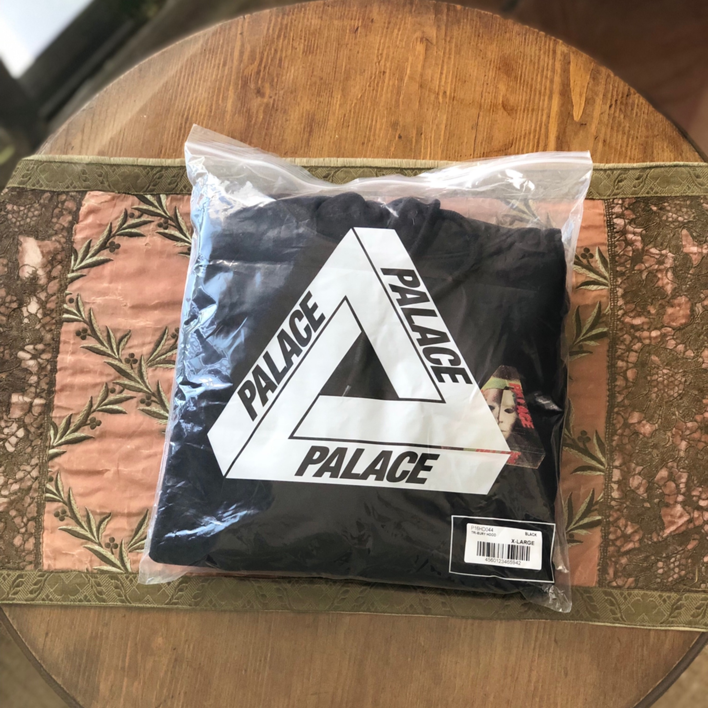 Palace Tri-Bury Hood Black