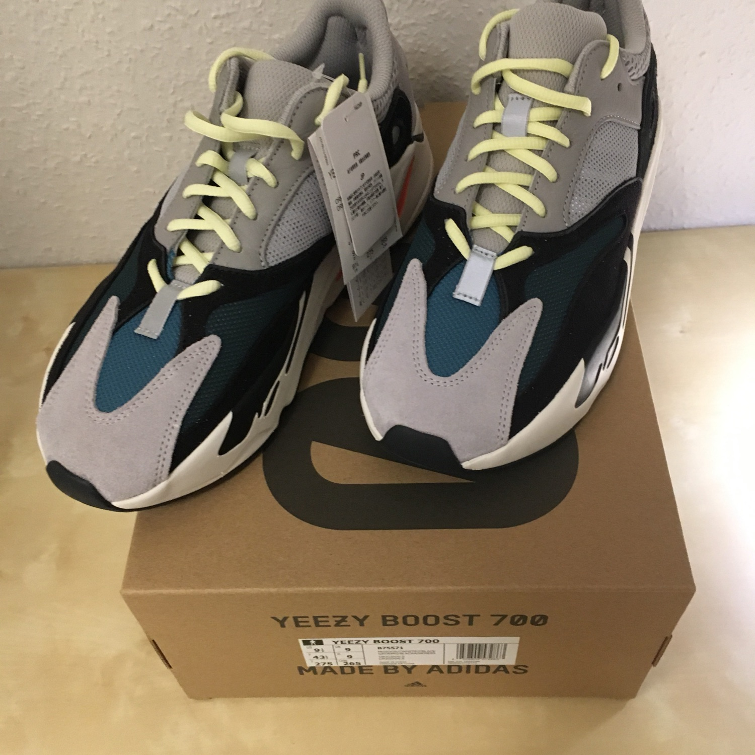 info for caa1f 161d2 Adidas Yeezy 700 Us 9,5 New Deadstock