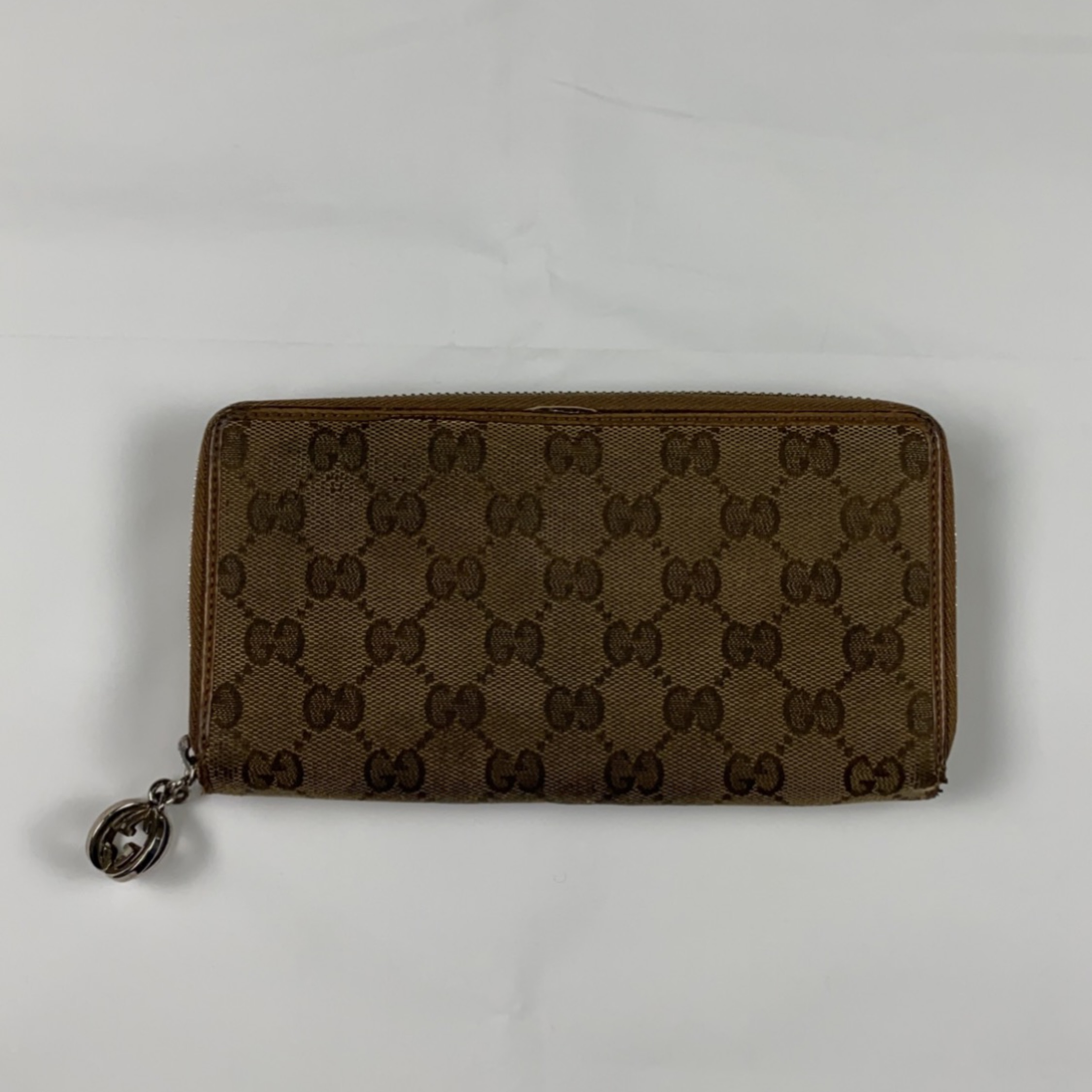 Gucci Vintage Beige Purse With Charm Zip