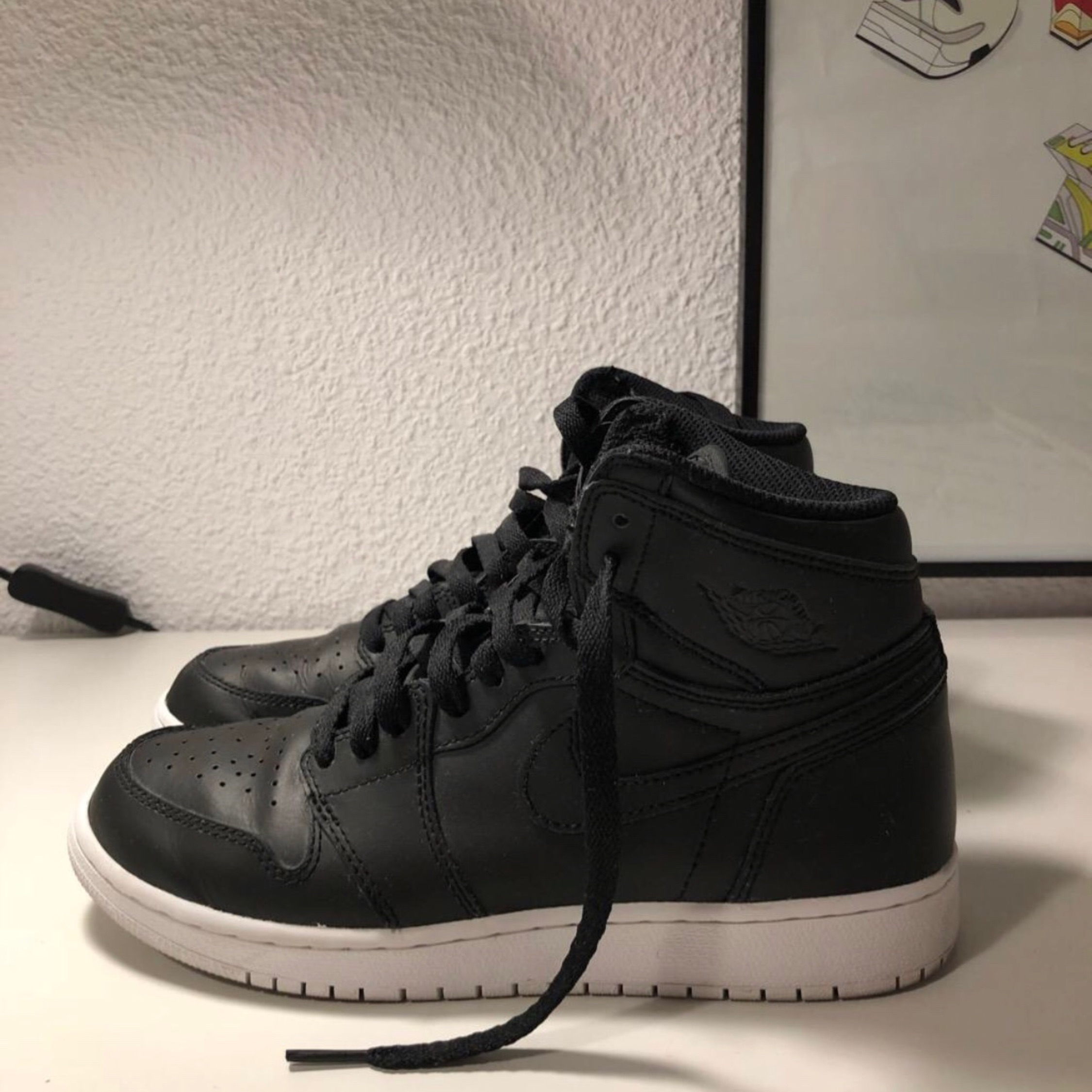 uk availability 7b55c 5813e Air Jordan Retro 1 Cyber Monday