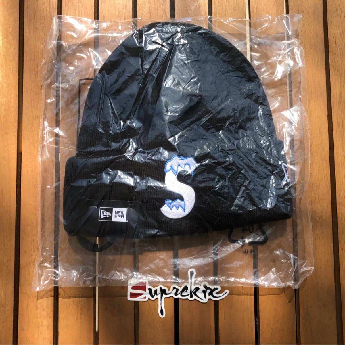 Supreme FW20 New Era S Logo Beanie Black