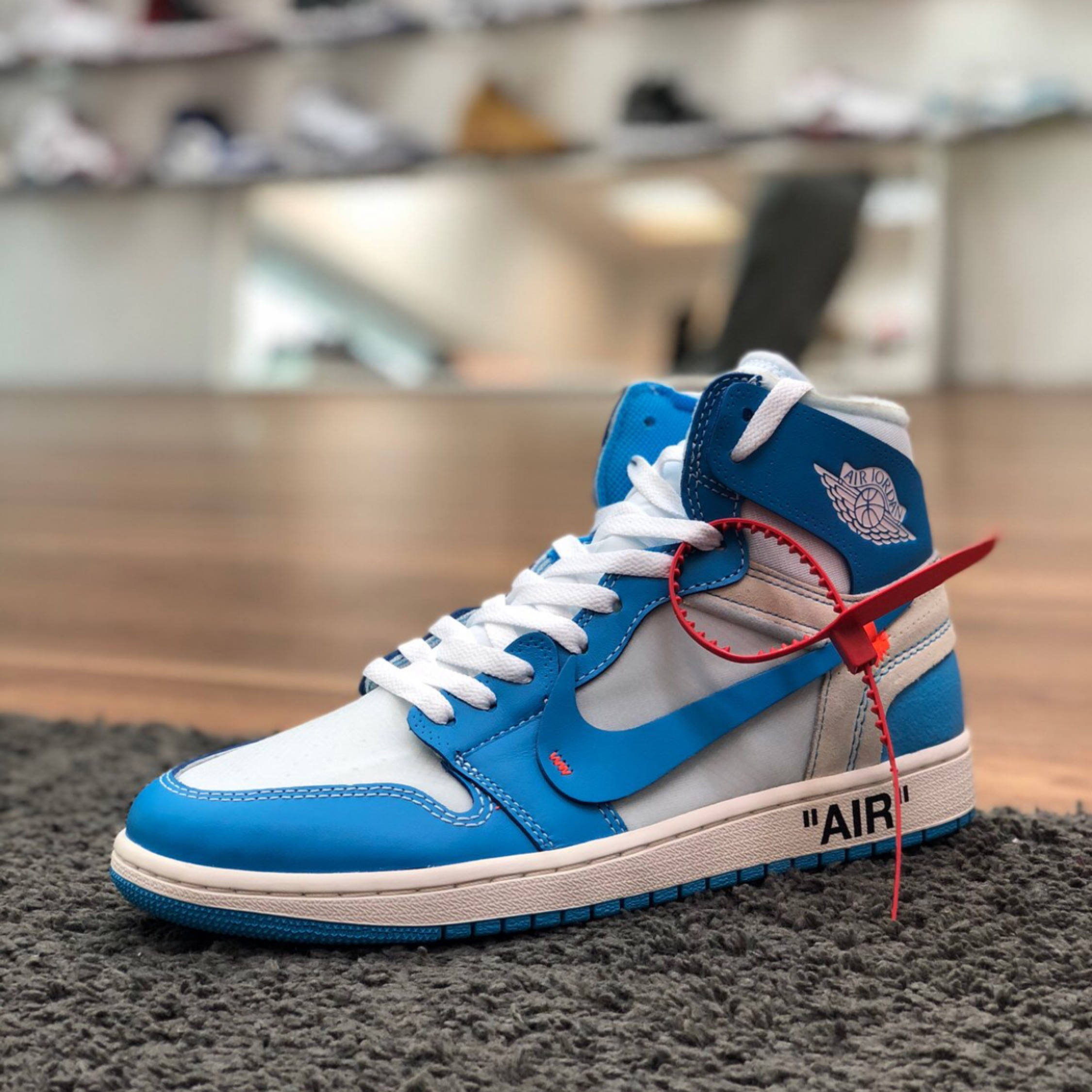 the latest 8d7d3 2928f Off White X Jordan 1 Unc Blue