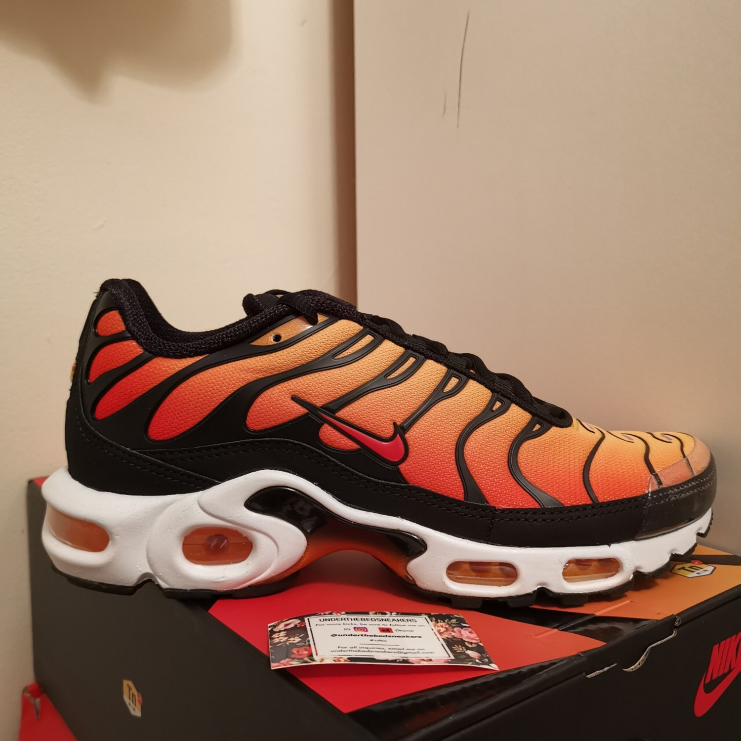 nike air max plus og orange tiger