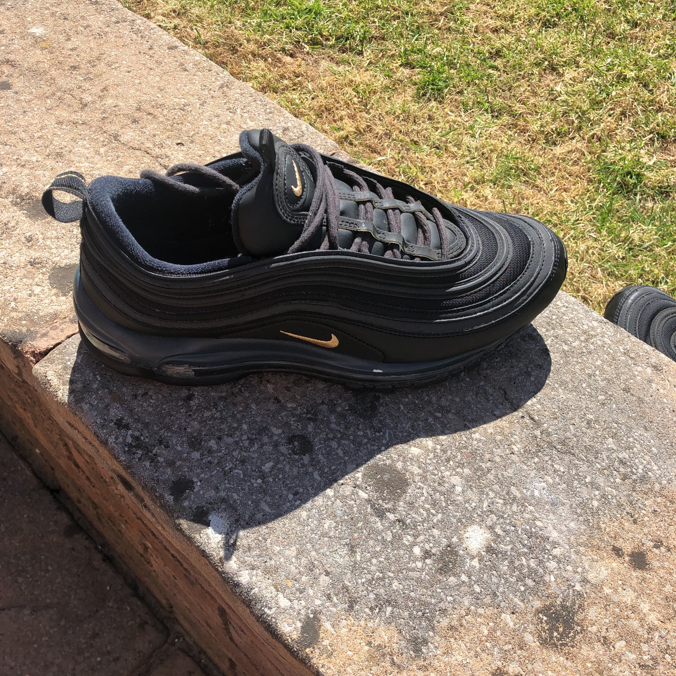air max 97 black with gold tick