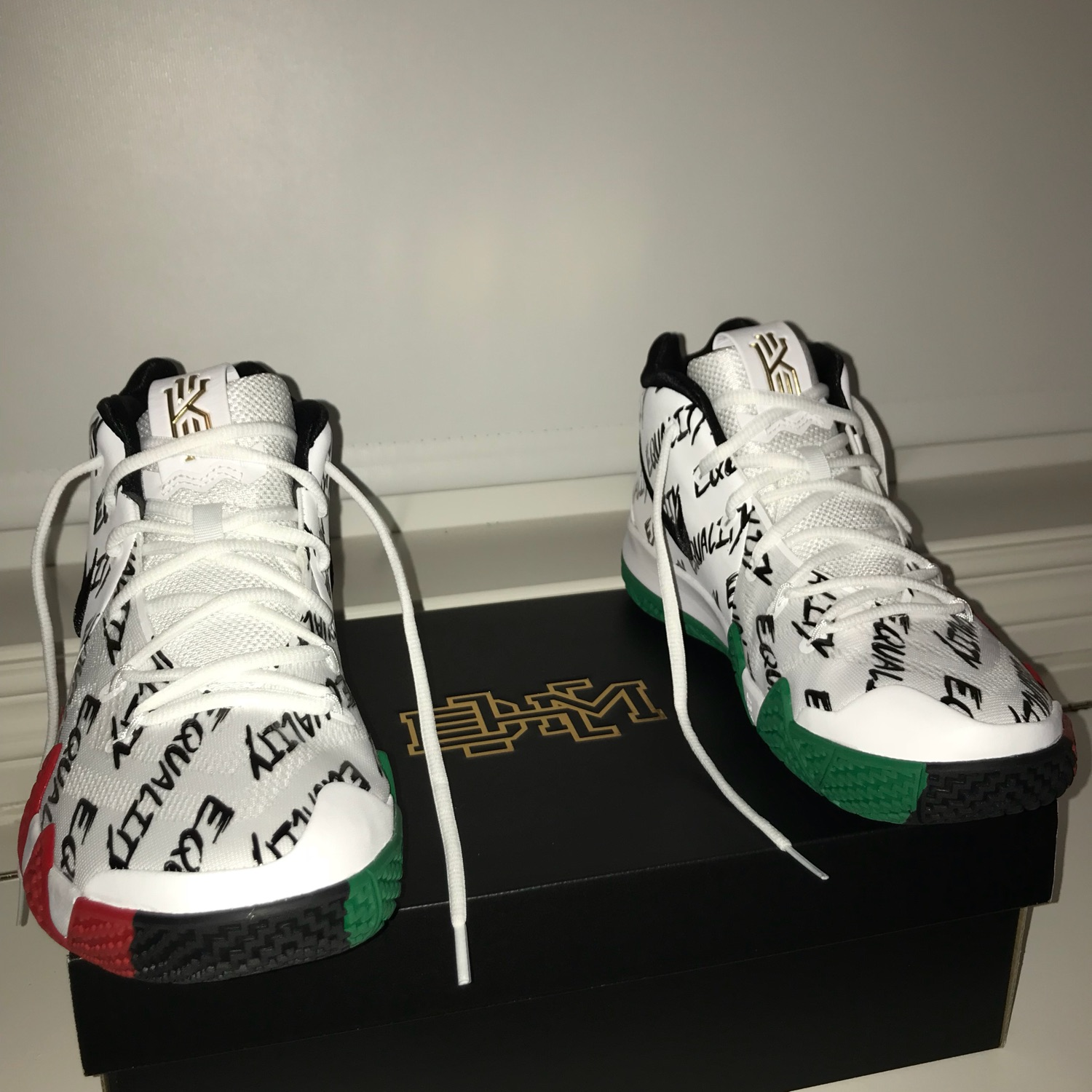 low priced 04c30 15c32 Kyrie 4 Bhm Equality Bhm Size 10.5 2018