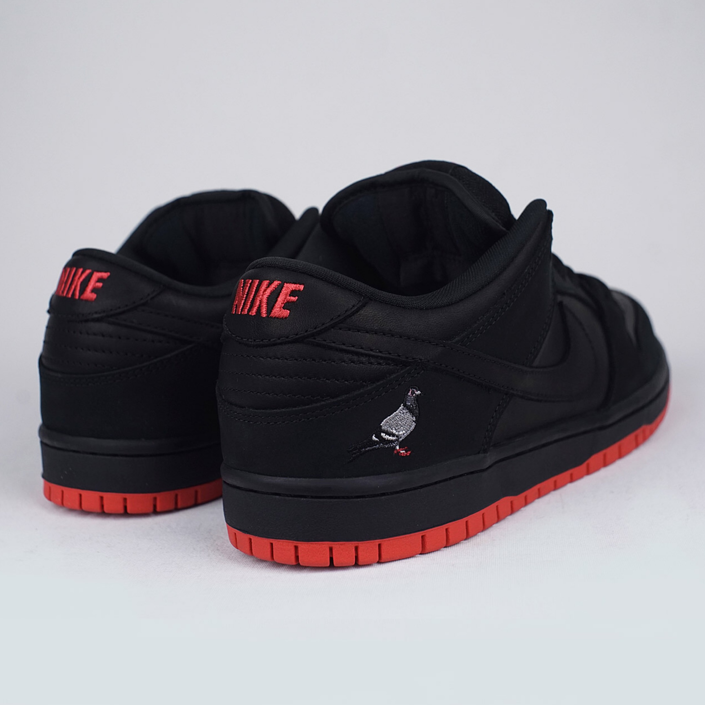 """a few days away catch cost charm Nike Sb Dunk Low Pro """"Pigeon 2"""" - Black/Red"""