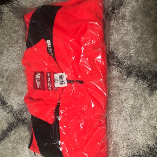 Supreme The North Face RTG Fleece Jacket Red