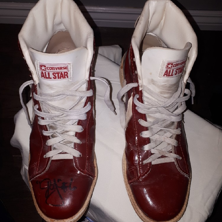 b15144cec355 RARE Converse ALL STAR Dr.J Sneaker- Signed By Julius Erving