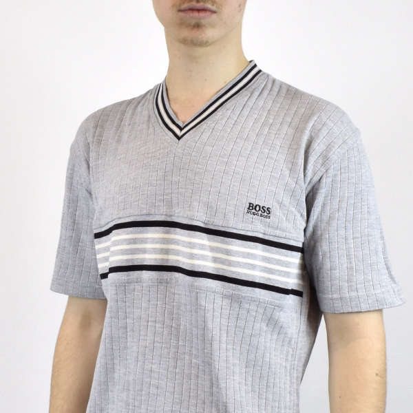 Vintage Hugo Boss v-neck t-shirt in gray has a small logo on the front size M