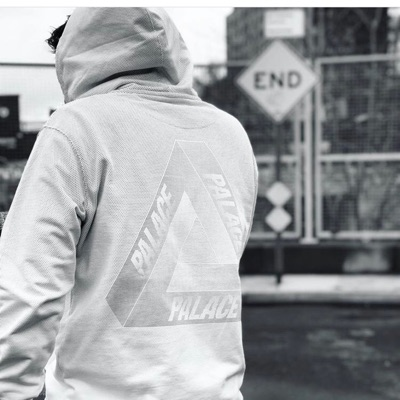 Palace Tri-Fade Hood White, Large.