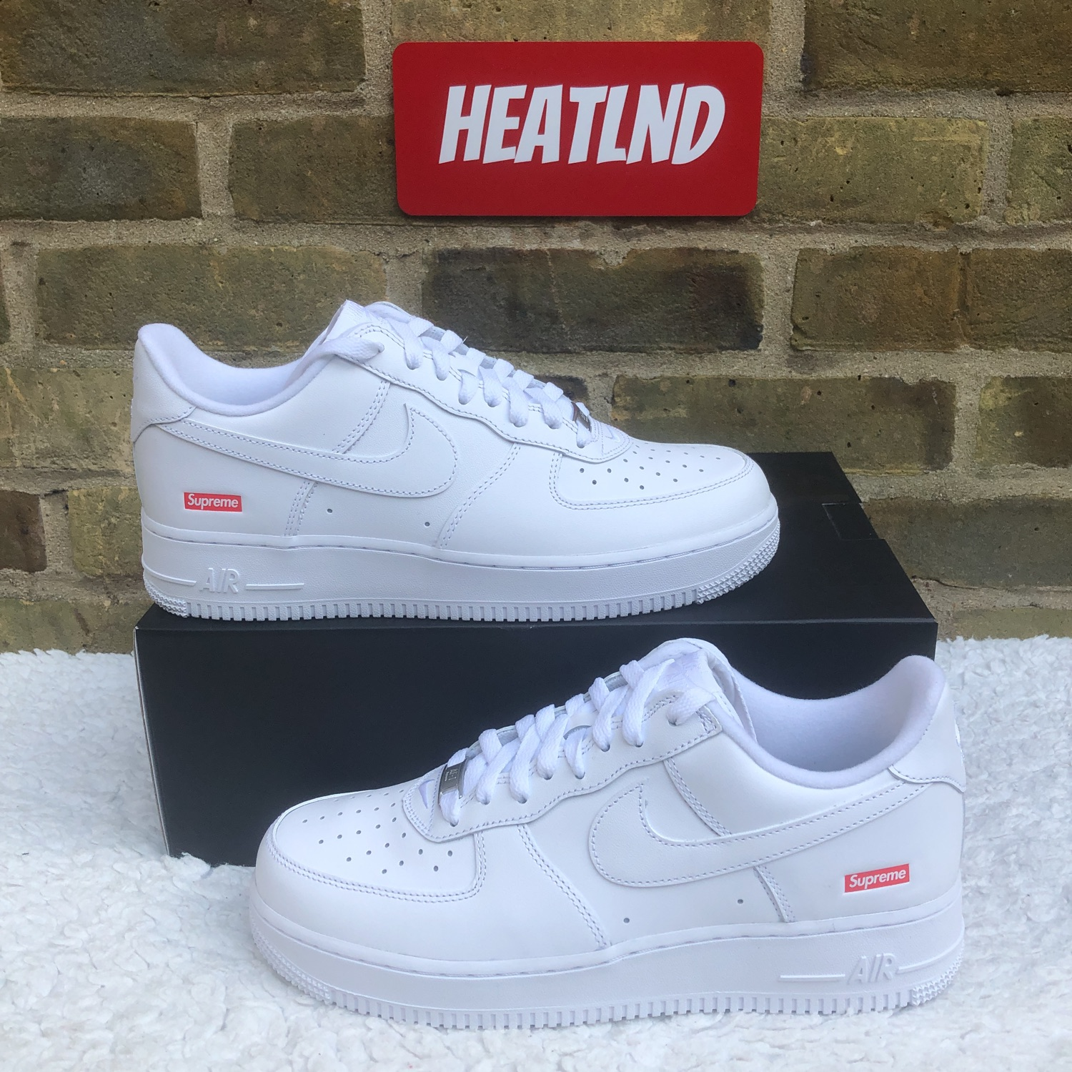 Supreme X Nike Air Force 1 Low White