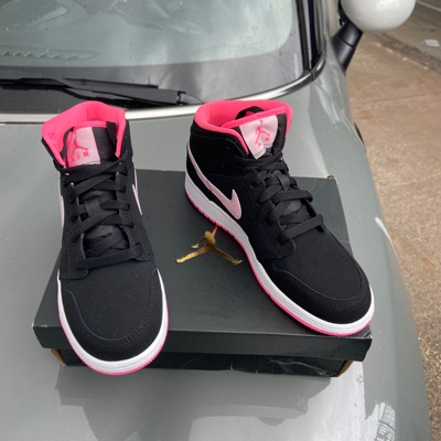 Jordan 1 Mid Black Digital Pink (Gs)