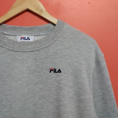 Fila small logo embroidered sweatshirts Medium Size