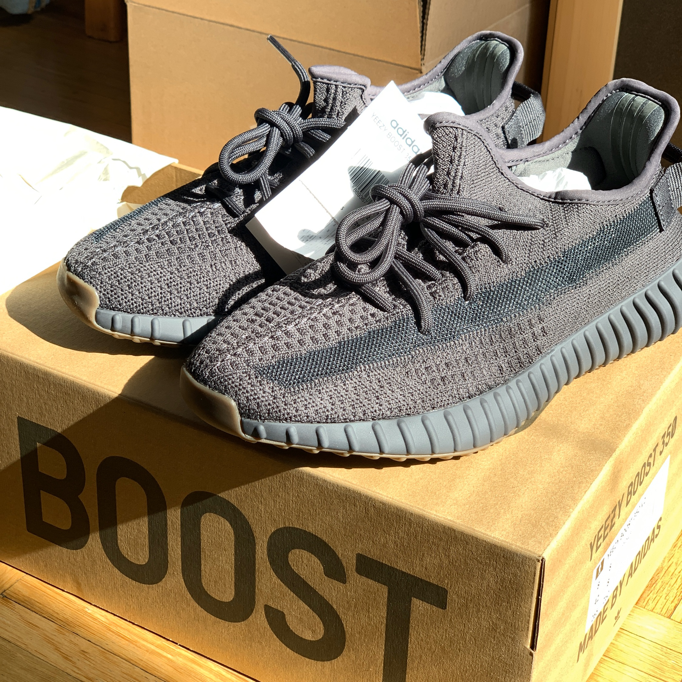 Yeezy Boost 350 V2 Cinder Resell