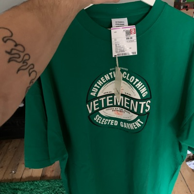 Vetements Brand Logo Tee