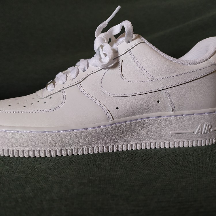 Nike Air Force 1 07 Man 42