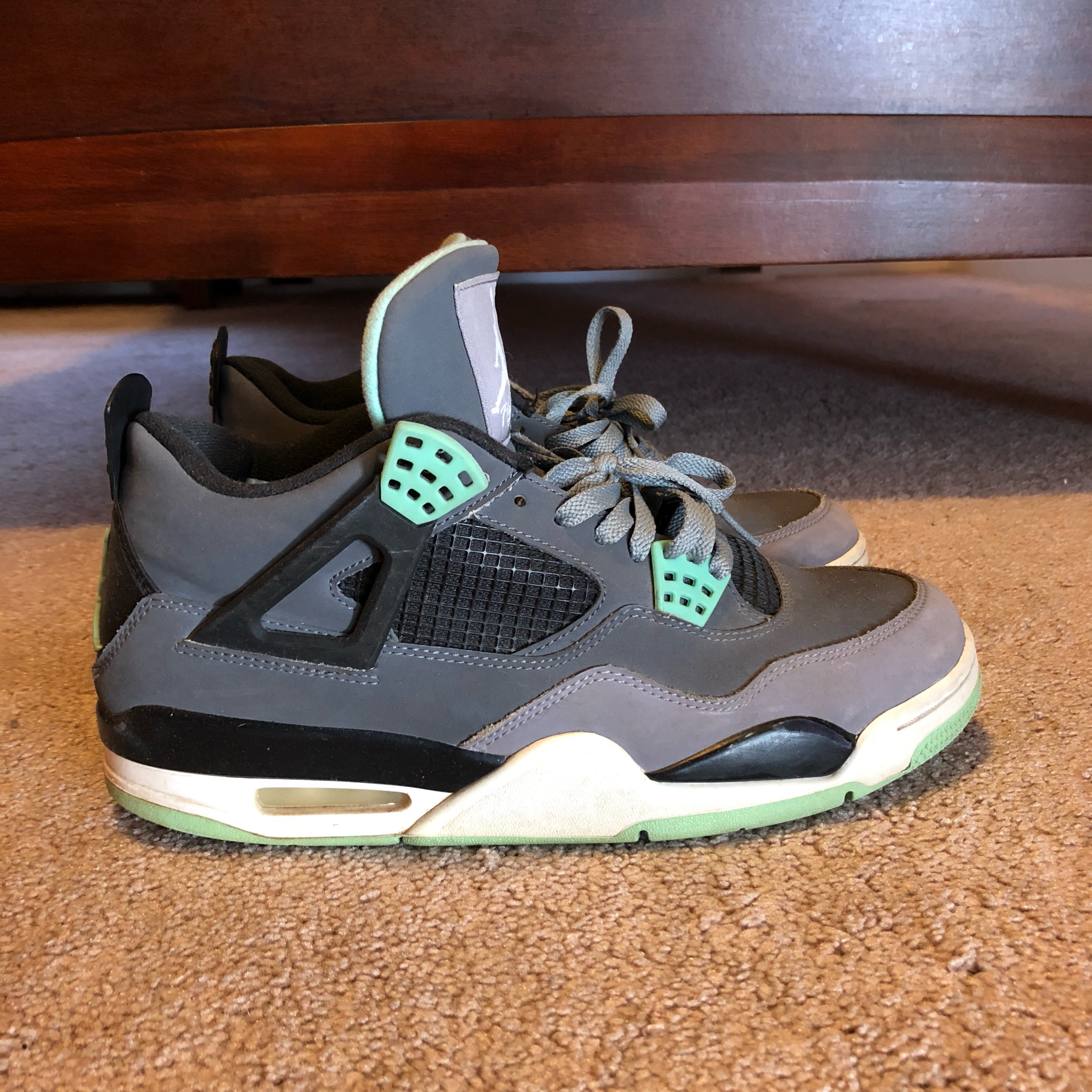 Air Jordan Retro Green Glow 4S
