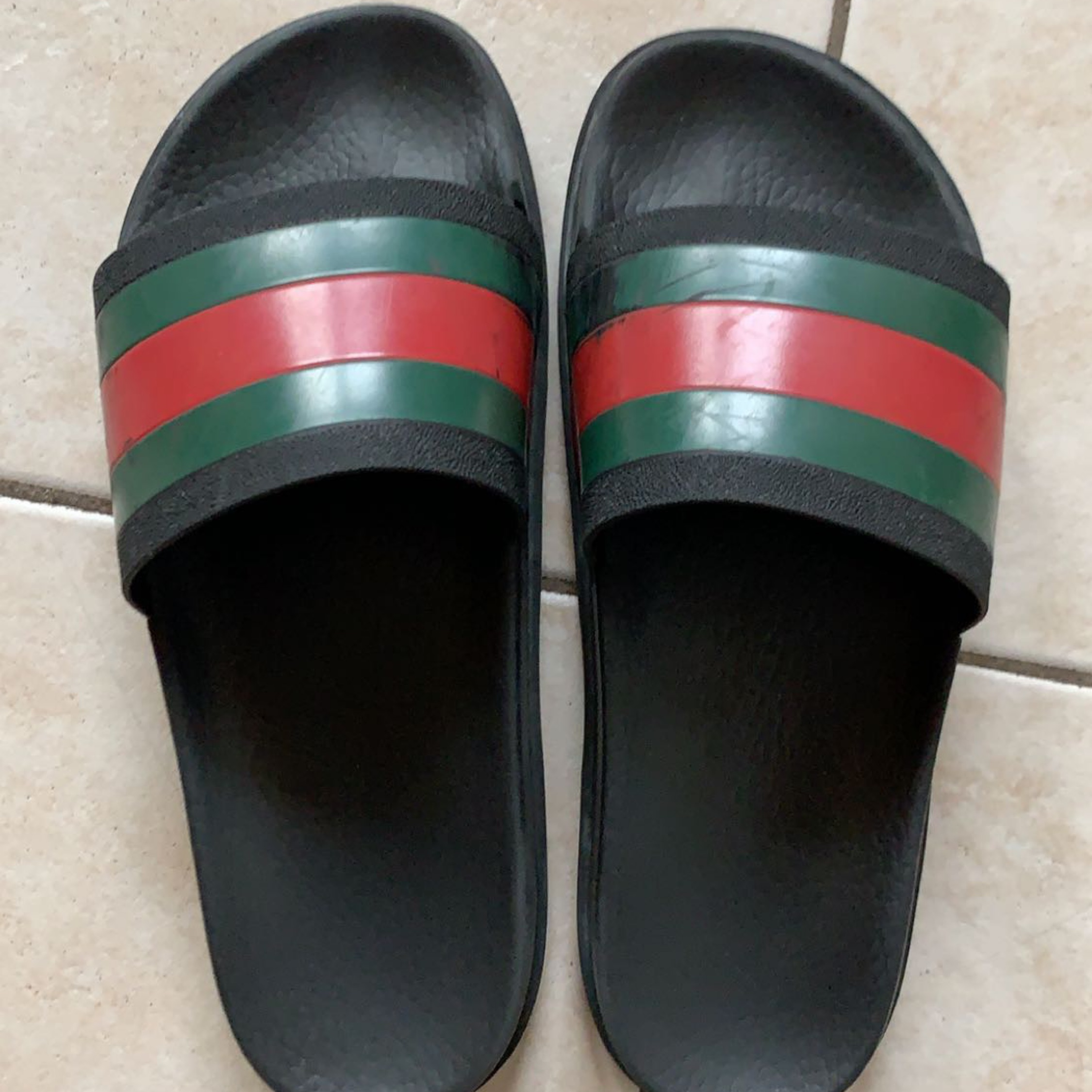 Gucci Slides. $60.00. US 8