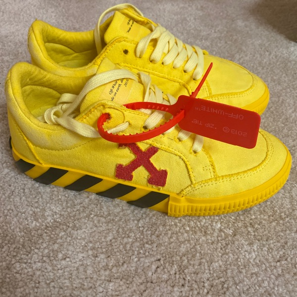 Yellow & Red Low Vulcanized Sneakers Off White