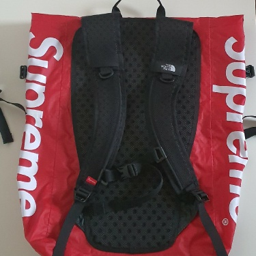 SS17 Supreme x The North Face waterproof backpack