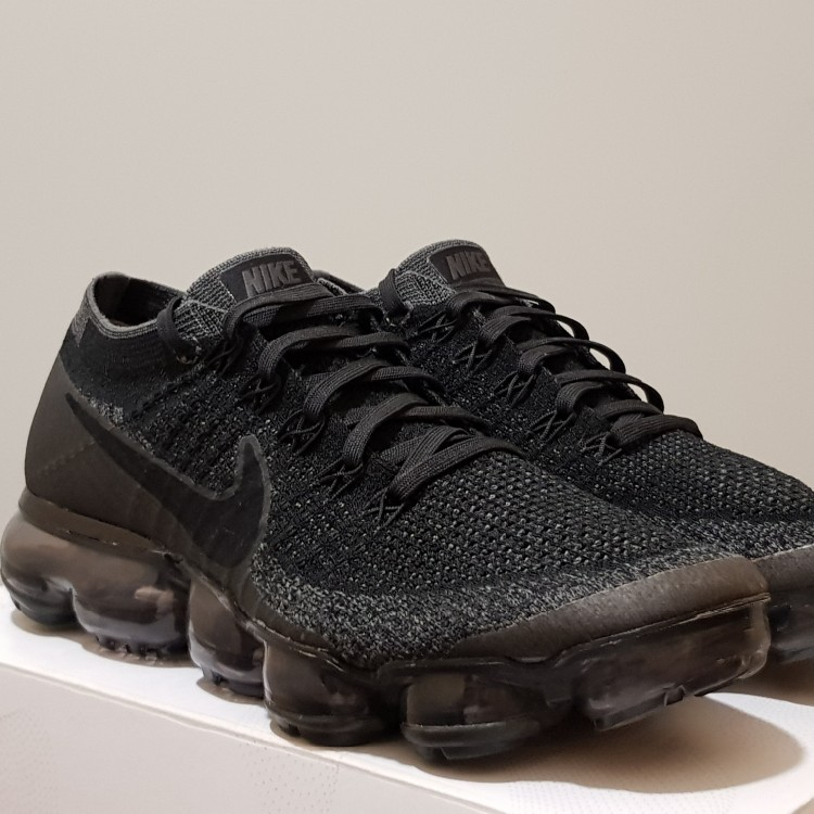 quality design e82af 5e327 Nike Air Vapormax Triple Black 2.0 (W)