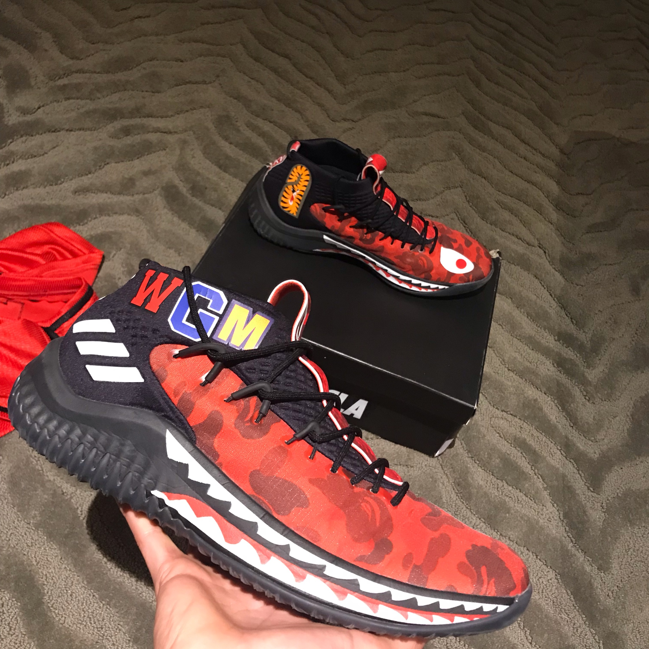 Bape Dame 4 Red Camo / Friends And Family