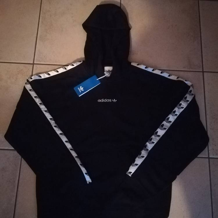 thoughts on first look exclusive range Sweatshirt Adidas A Bande