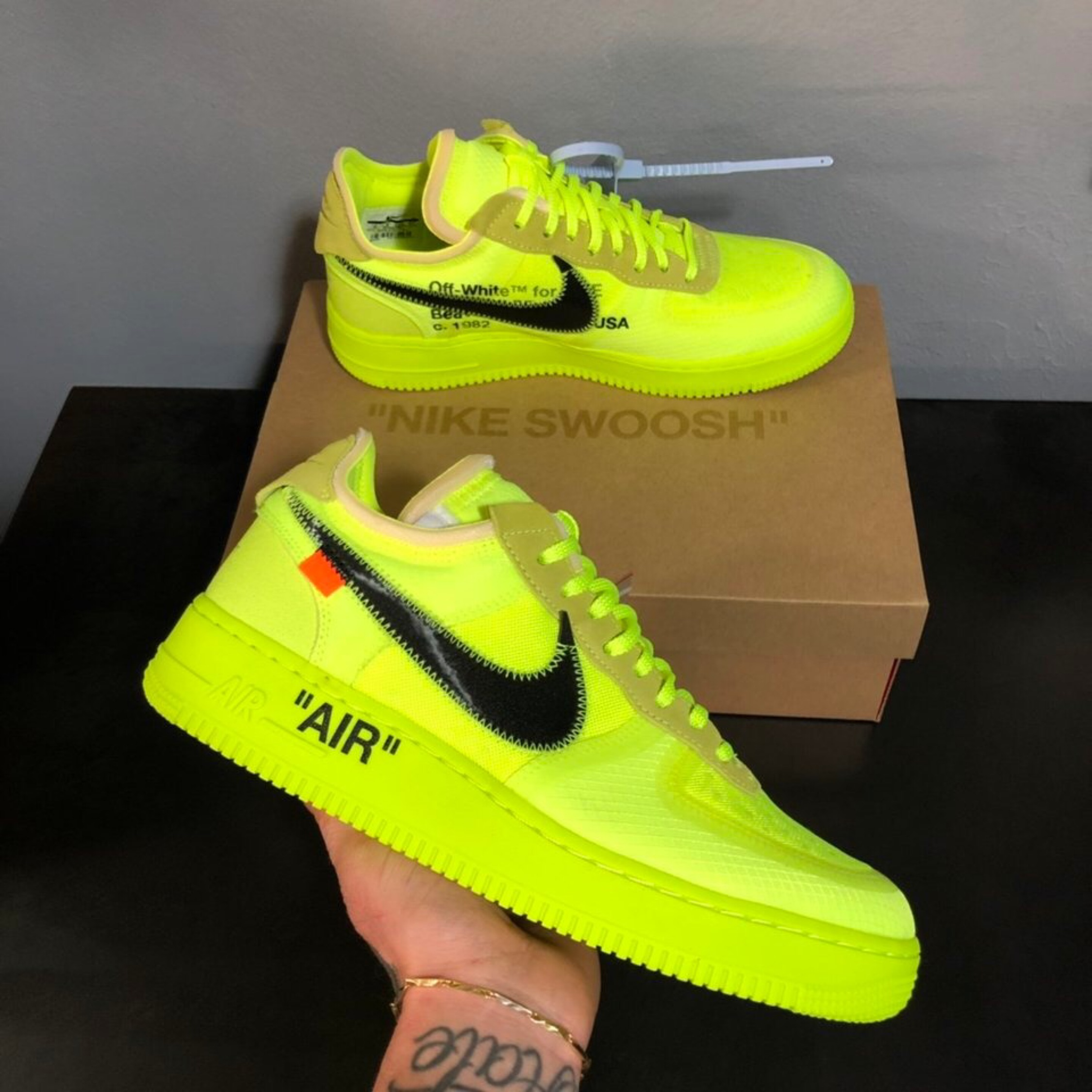 check out 53cfe 6880a Nike Af1 Low Volt X Off-White
