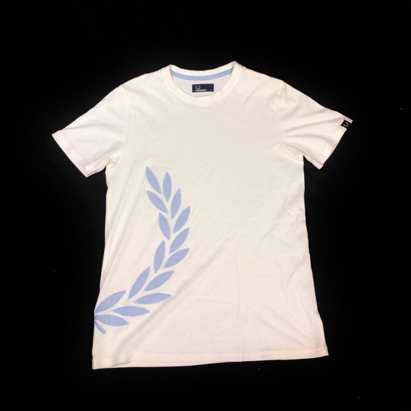 Fred Perry Half Laurel Logo Tee Size Small