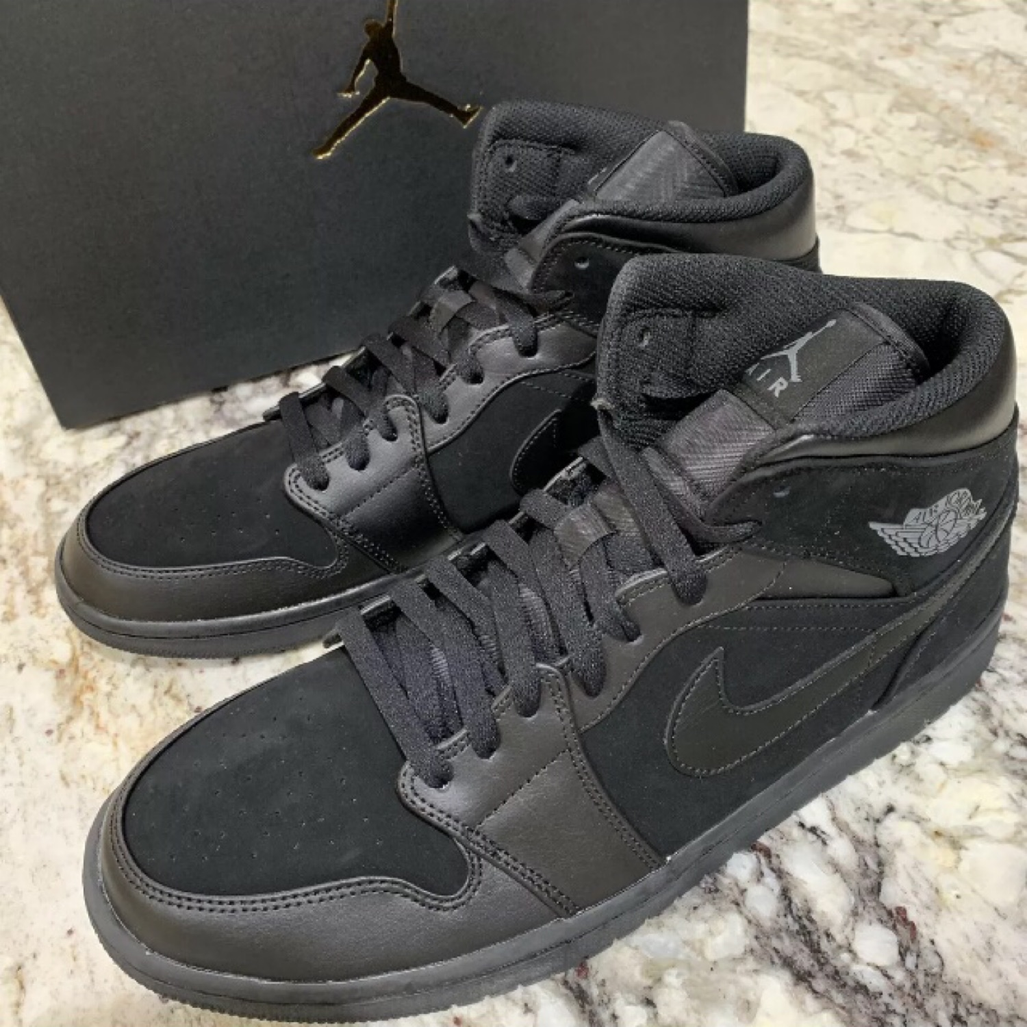 the latest 043a2 afe18 Nike Air Jordan 1 Mid Triple Black 554724-050 11