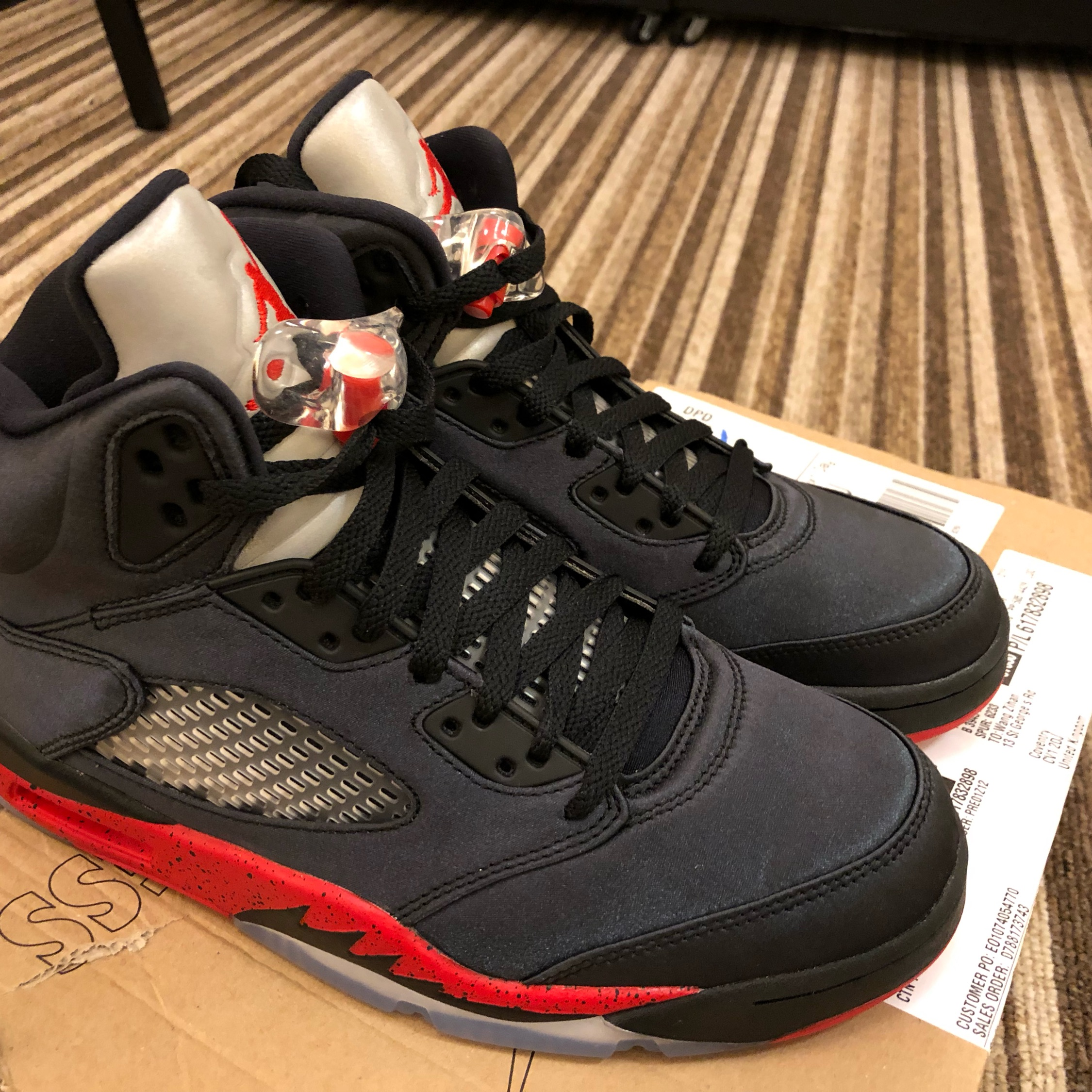 promo code a4b71 24471 Air Jordan V Black/University Red (Can Trade)