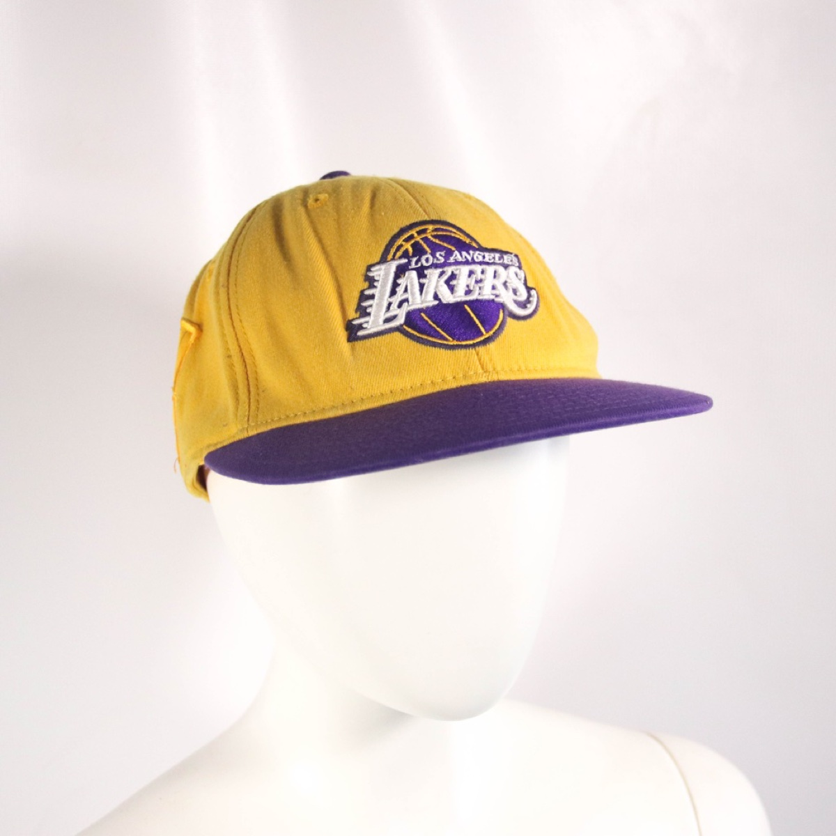 Los Angeles Lakers Adidas Embroidered Fitted NBA Basketball Hat Cap Size L / XL