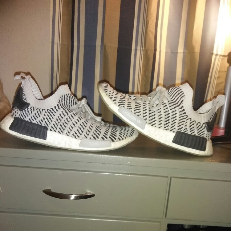 sports shoes 1abb2 6020e NMD R1 STLT Grey And White