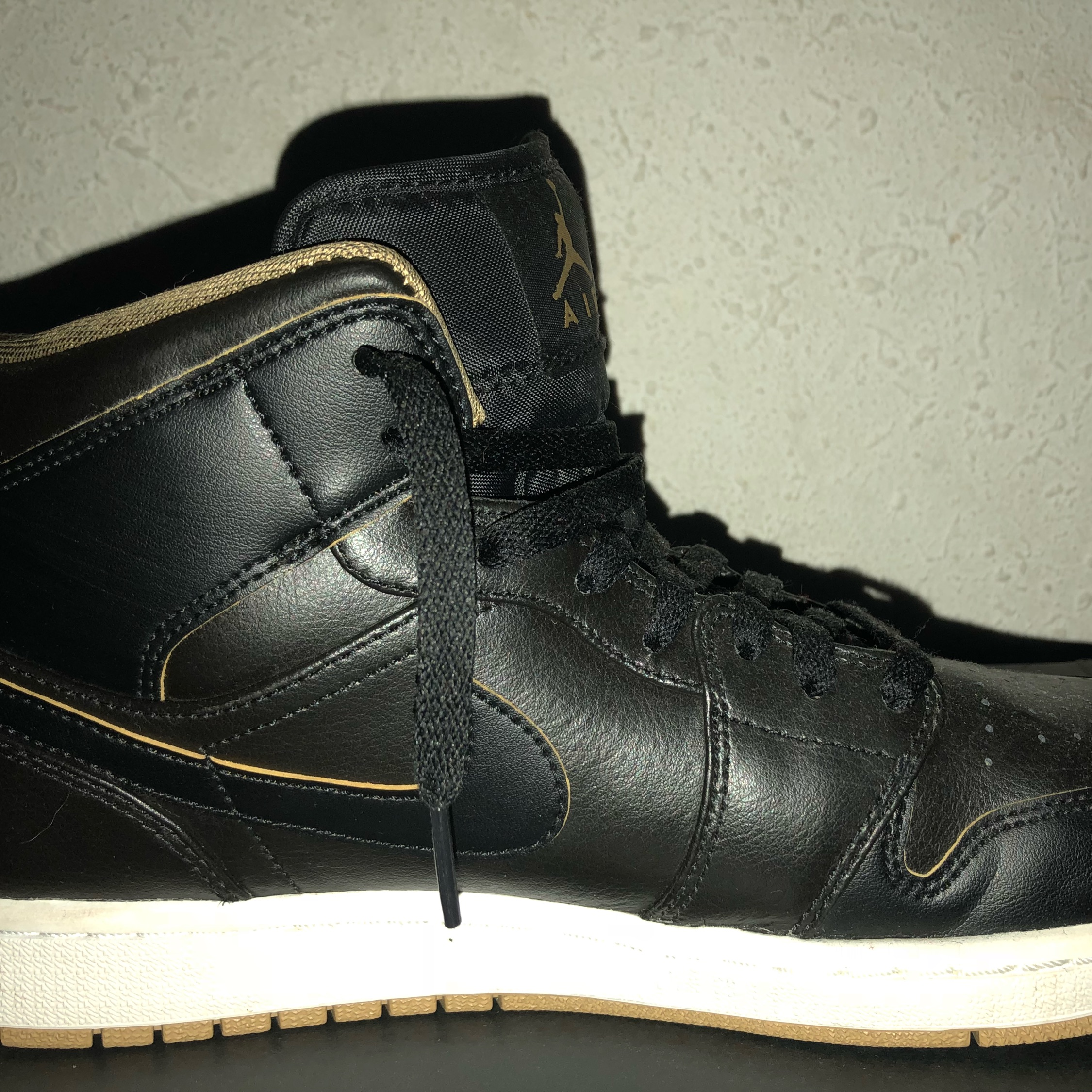best sale exquisite style on feet shots of Air Jordan 1 Mid Black/Metallic Gold
