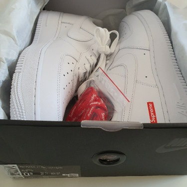 SS20 Supreme x Nike Air Force low US 9.5 UK 8.5 EUR 43