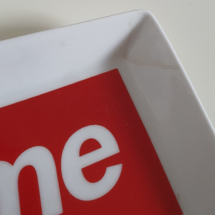 FW14 Supreme red ceramic white tray box logo ashtray